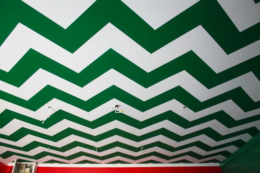 Декоративная роспись потолка в интерьере